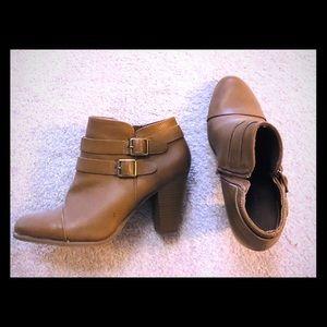 Lauren Conrad booties size 10